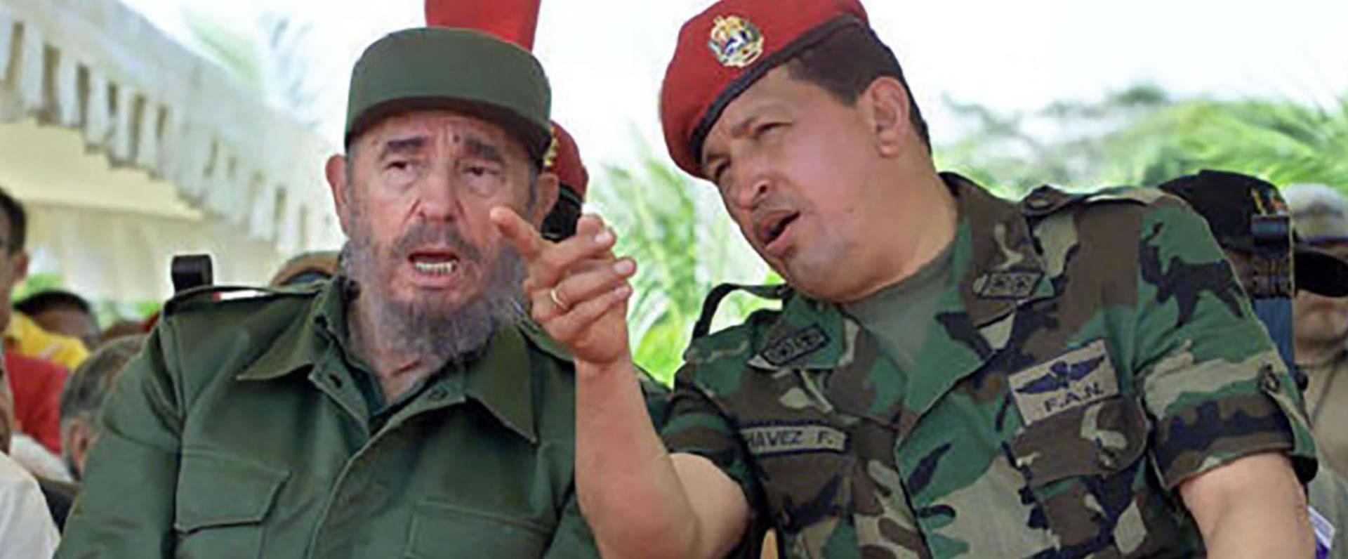 Fidel Castro junto al también dictador Hugo Chávez