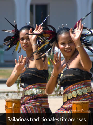 Bailarinas timorenses